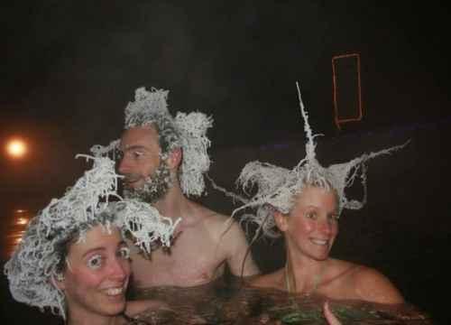 Cuộc thi đóng băng tóc kỳ lạ ở Takhini, Canada