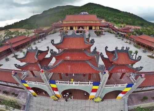 Chiêm ngưỡng vẻ đẹp linh thiêng của chùa Yên Tử