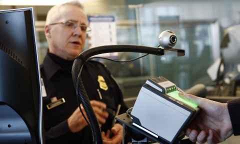 Thủ tục nhập cảnh tại sân bay Mỹ