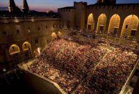 Vé Máy Bay Đi Avignon - Pháp Giá Rẻ