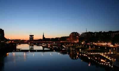 Vé Máy Bay Đi Bremen Giá Rẻ