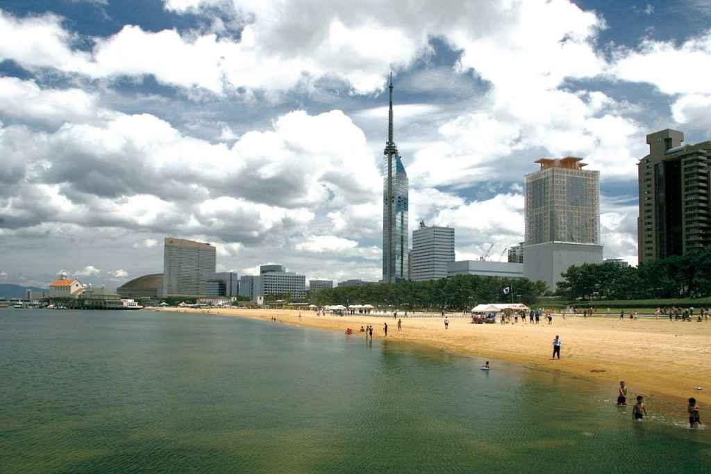 beach-momochi