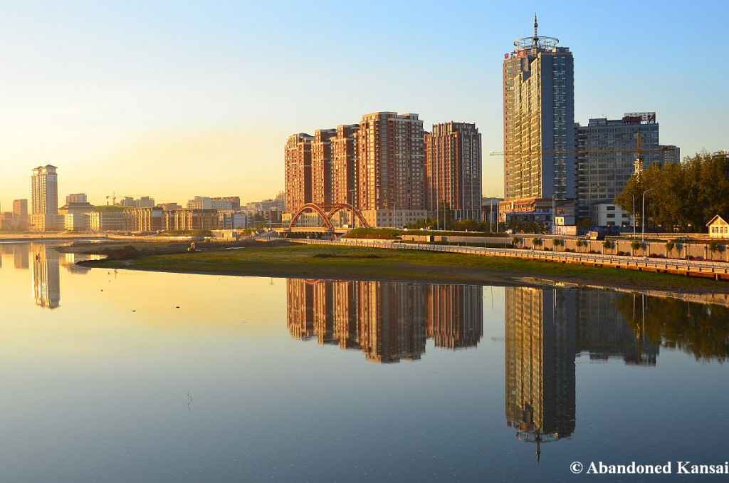 yanji-ve-may-bay-di