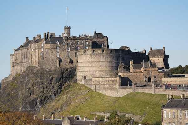 vé may bay đi Edinburgh 02