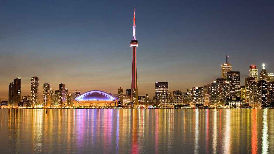 ve may bay di toronto canada 2