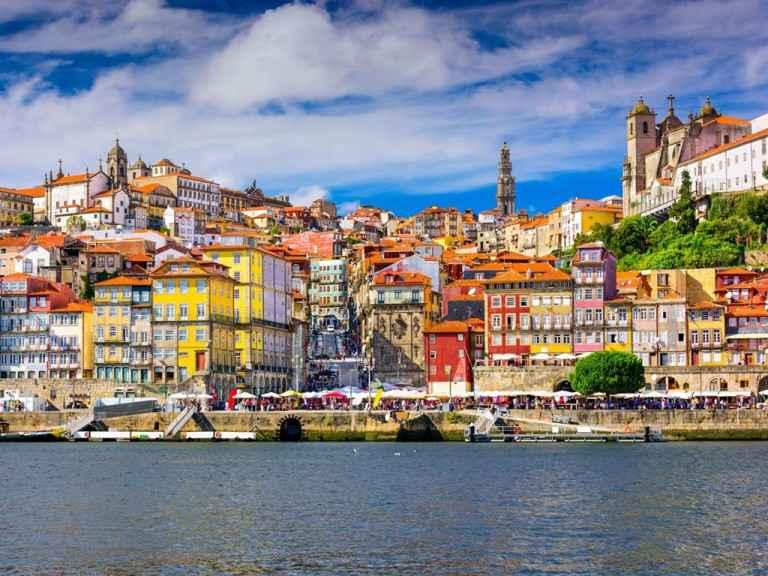 vé máy bay đi Porto 1